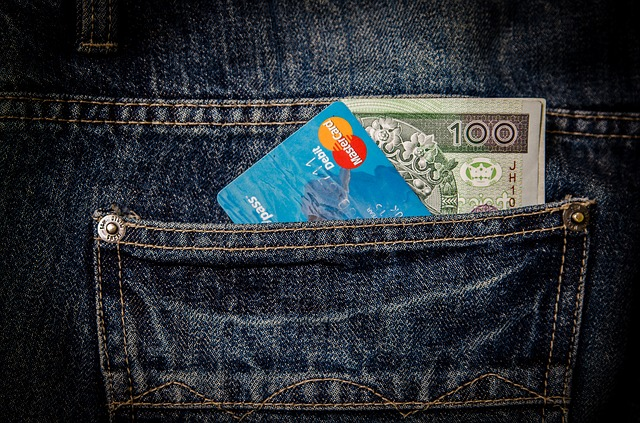 kapsa na kartu a peníze