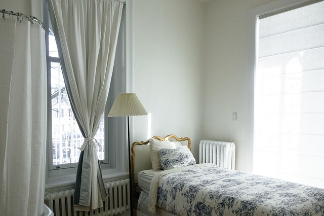Jak vybrat ty pravé závěsy do bytu?