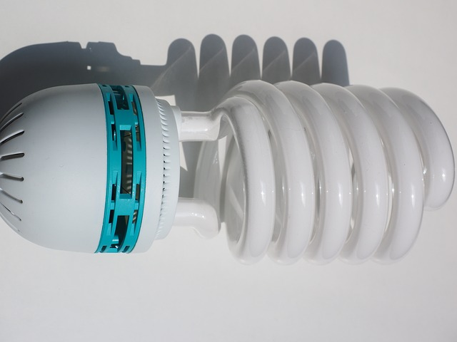 Kompaktní spirálové zářivky úspěšně konkurují LED diodám